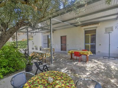 Photo for Villa Elviana A: A welcoming apartment situated a few minutes from the town center.