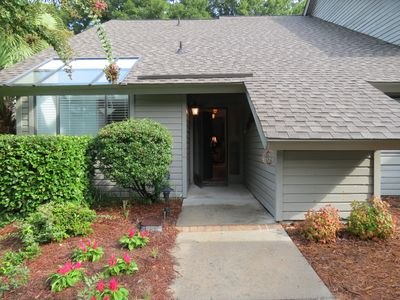 Photo for Centrally located in Palmetto Dunes.  Accessible to beach, golf & restaurants.