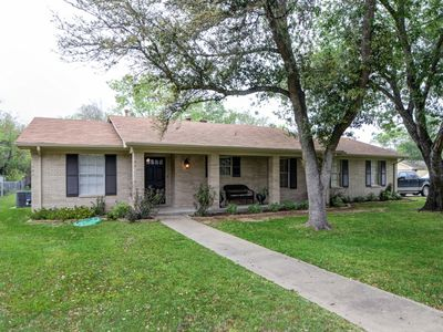 Photo for Less Than 2 Miles From Campus! Completely Remodeled 4 Bed Home
