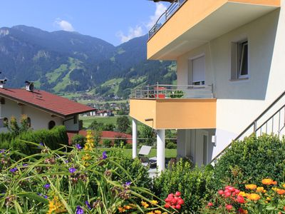 Photo for Apartment with garden, 3 km from Mayrhofen, sunny and central with infrared cabin