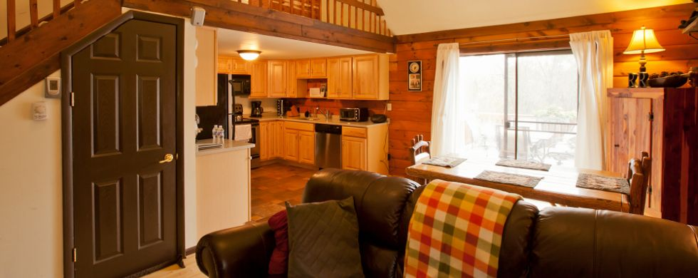 Property Image#3 Secluded Pet Friendly High Tech Log Cabin In The Woods