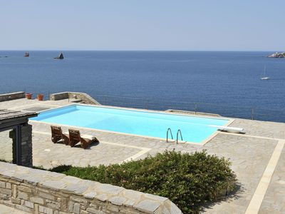 Photo for Beautiful new resort with studio and 2 villas, near hotel, by the sea on Paros