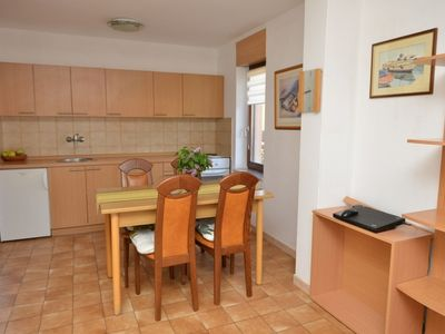 Photo for Cute accommodation in Umag near the sea, with barbecue, garden, WiFi, AC, parking