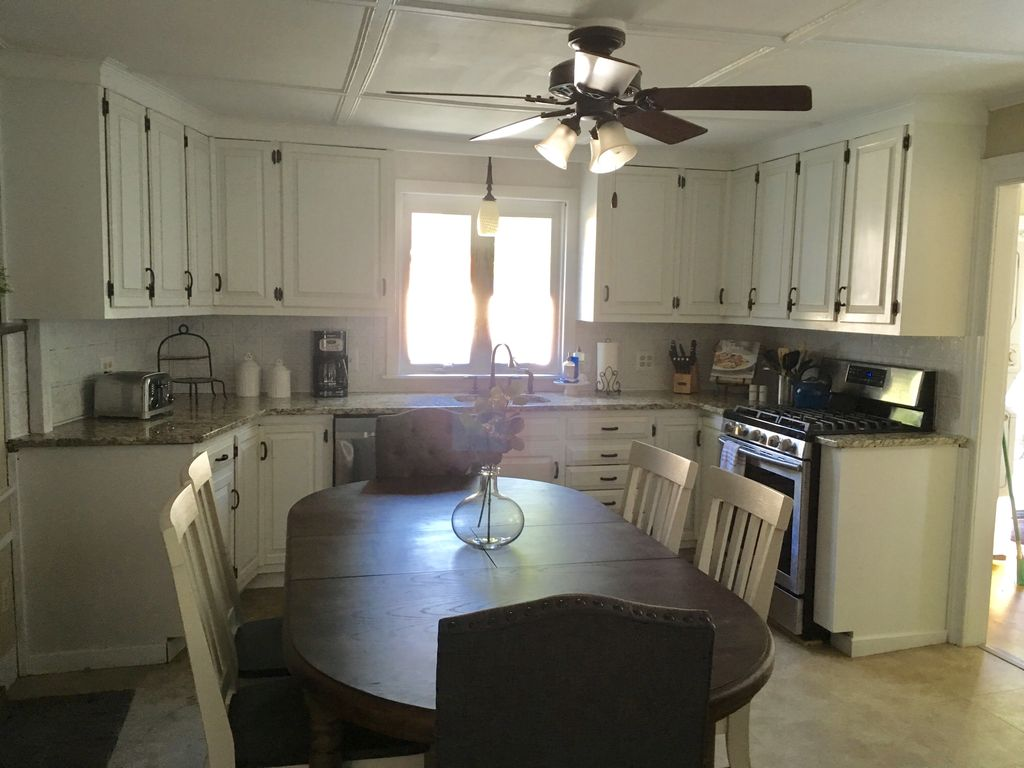 Family Friendly-Downtown Plymouth-Large Yard w/Grill-Off Street Parking & MORE!
