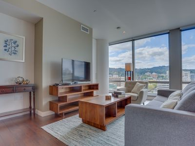 Photo for Bring your dog to downtown Portland and amazing highrise views!