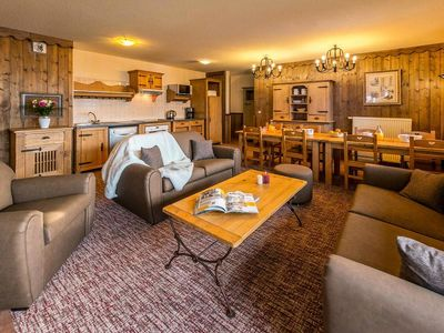 Photo for Chalet Altitude 2000 ***** - 4 Rooms 6/8 People