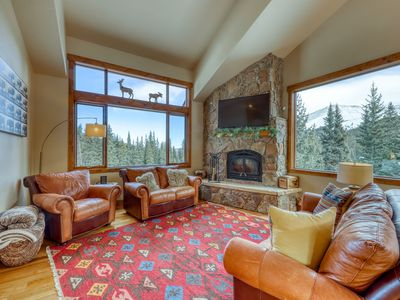 Photo for Amazing family mountain getaway with panoramic views!