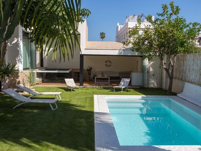 Photo for Luxury jacuzzi and pool villa 300m from the beach