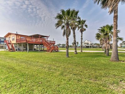 Surfside Beach Home w/Large Deck - 1Block to Beach