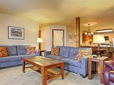 Photo for Conveniently located condo, Spacious, Outdoor hot tub, Free garage parking!