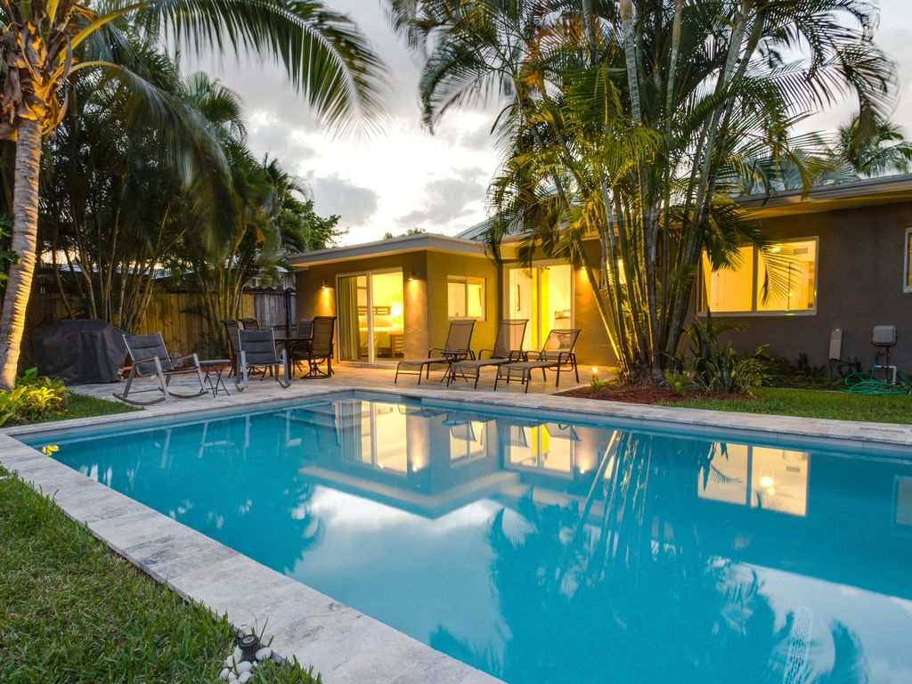 Newly Renovated Modern Home with PoolHomeAway Wilton Manors
