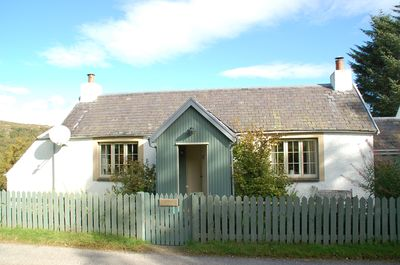 The front of Brachkashie Cottage. The front of the cottage has the Loch view.