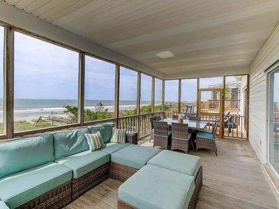 Oceanfront, Pet Friendly! Screen Porch with Dining Area