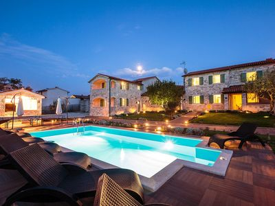 Photo for Holiday house Kastelir for 14 persons with 7 bedrooms - Villa