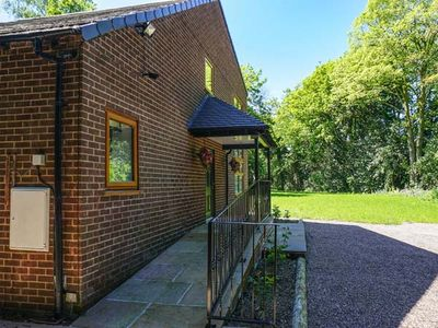 Photo for DUNSDALE LODGE, family friendly in Frodsham, Ref 938251