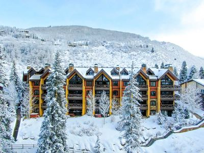 Photo for Vail Village, 3 Bedrooms + Bunk Room, Sleeps 10, Hot Tub, Pool, Parking