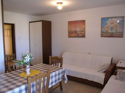 Photo for Apartment for 4-6 persons with barbecue in the garden.
