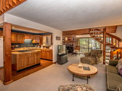 Family-sized condo near Storyland,Outlets,White Mts, Saco River, Restaurants