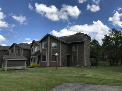 Photo for 1164 Kepple, Short Walk To Slopes!  Has Wifi!  Sleeps 4 plus futon