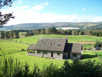 Rural north east Scotland holiday home at Lumsden Aberdeenshire