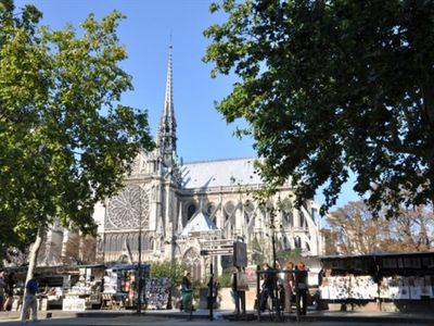 Photo for Air-conditioned Apartment Opposite Notre Dame Cathedral
