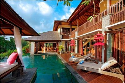 Peaceful 4 bedroom villa in Canggu