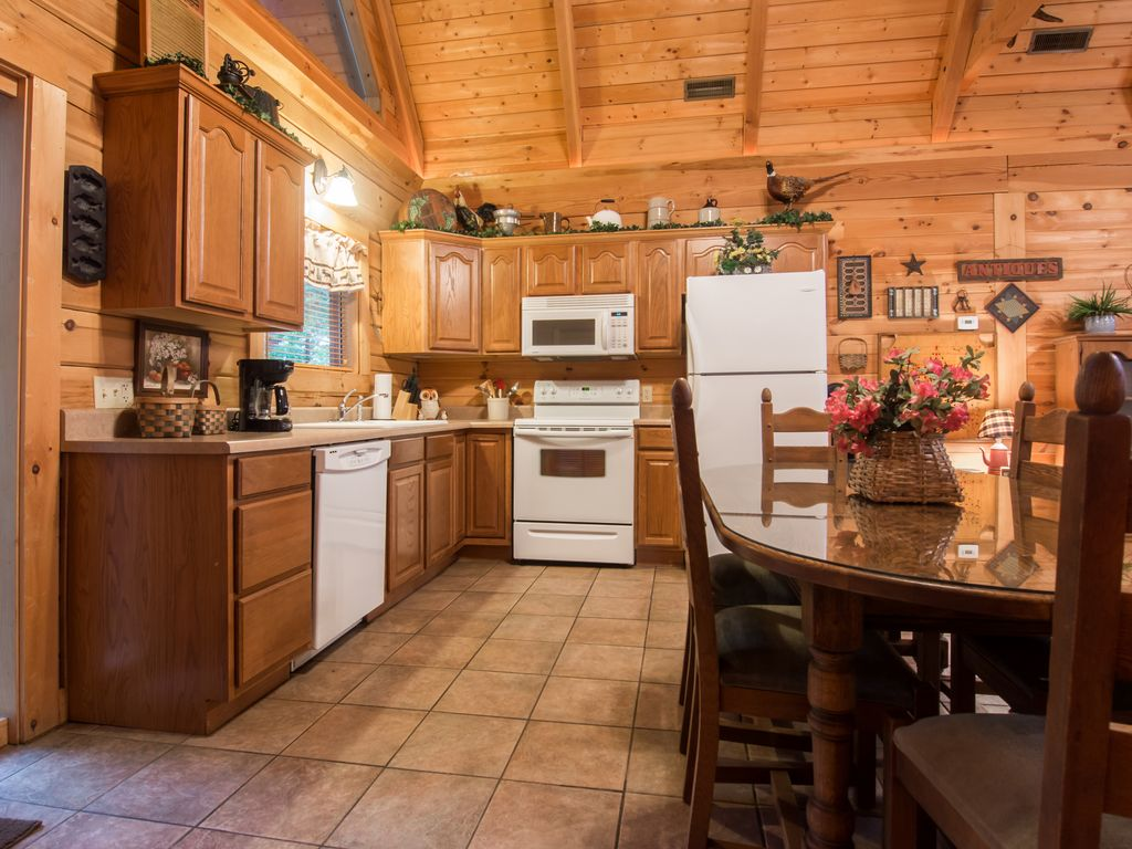 log home with two master suites great for two couples ridgedale property image 11 log home with two master suites great for two couples
