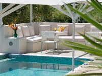 Beauiful apartment. Well designed & furnished. Pool area so relaxing.