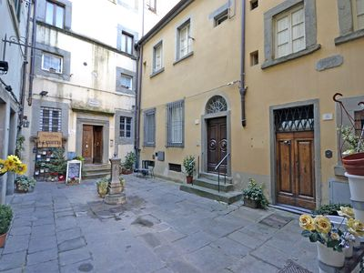 Photo for Apartment in Cortona with 3 bedrooms sleeps 7