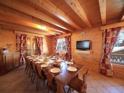 Photo for Independent cabin located 20 meters from the ski slopes