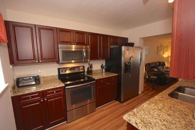 Pack a Lunch up for the Family to take to the Beach or Whip up an amazing meal in this Lovely Fully Equipped Kitchen