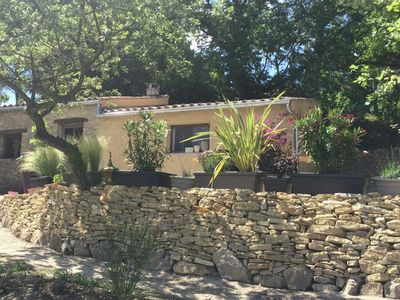 Photo for Charming cottage with pool and beautiful garden, 1 km from Faucon