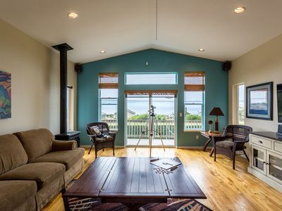 Photo for Yachats Ocean View, 6 Bedrooms! Sleeps 14! Game Room! Hot Tub! FREE NIGHT!