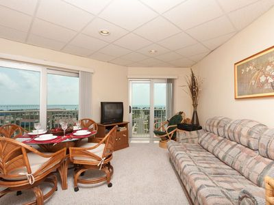 Aquarius 708 - Catch a Spectacular Sunset! Gorgeous Bay Views from the 7th Floor, Pool, Hot Tub, Steps to the Beach!