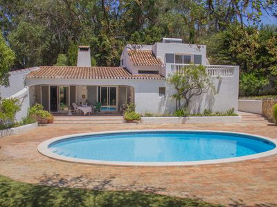 Photo for Charming Villa in Quinta da Balaia w/ private swimming-pool