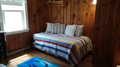 Trundle bed room