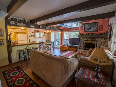 Photo for Walk to Ski Slopes! Rustic 2/2 Luxury Retreat