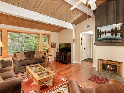 Photo for 100 Yards to Snowmass Mountain, Shops and Restaurants. Outdoor Heated Pool/Hot Tub. Gas Fireplace