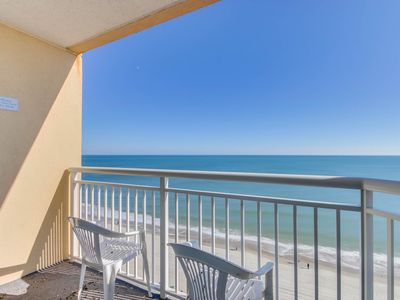 Remarkable beachfront condo with spectacular oceanfront views, pools and wifi