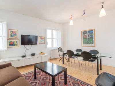 Photo for Cosy apartment for 5 guests with WIFI, A/C, TV and pets allowed