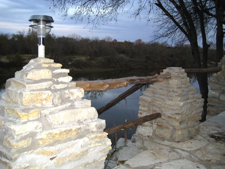 1 bedroom cabin sleeps four pet friendly property is on for Brazos river cabins
