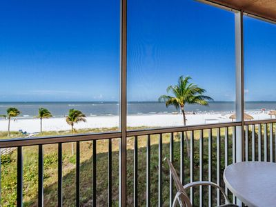 Photo for Hear the Waves Lapping Outside Your Door! Luxurious North Island Oceanfront Condo