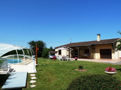 Photo for PROMO: Gîte de Peluzac, house with private pool and WIFI, in a park