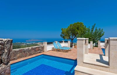 Photo for A 4-Bedroom Villa with gorgeous sea views, 11 km from Chania