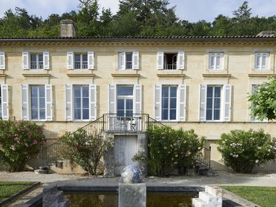 Photo for Luxury Chateau with private pool near Bordeaux