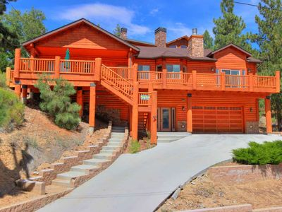 Tall Timbers: Slope Views! Game Room! BBQ! Wifi! Cable TV! Open Floor Plan! Master Suite!