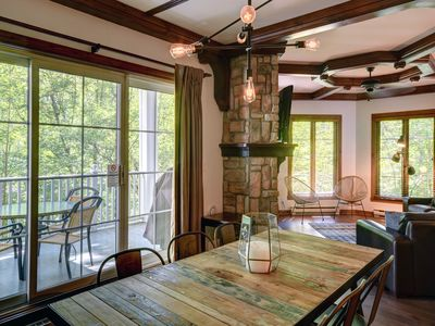 Photo for Exceptional 2 bed. Condo Tremblant Manoirs