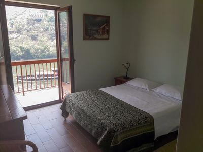 Photo for Apartment with shared pool and fantastic panoramic view of the douro river