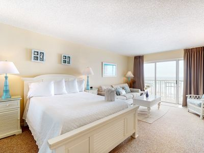 Photo for 3rd Floor Bright Gulf View Condo w/ Views, Close To Entertainment