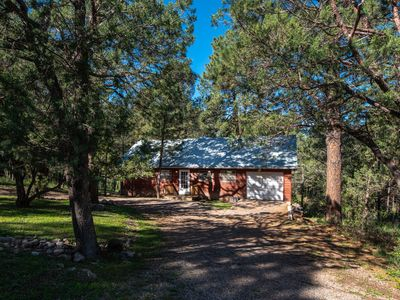 Photo for 2 BED/2 BATH CABIN, LEVEL ENTRY, OPEN LIVING, KITCHEN, DINING